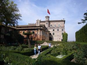 Aventino_s_Maria_del_Priorato_villa_dal_giardino_1050419